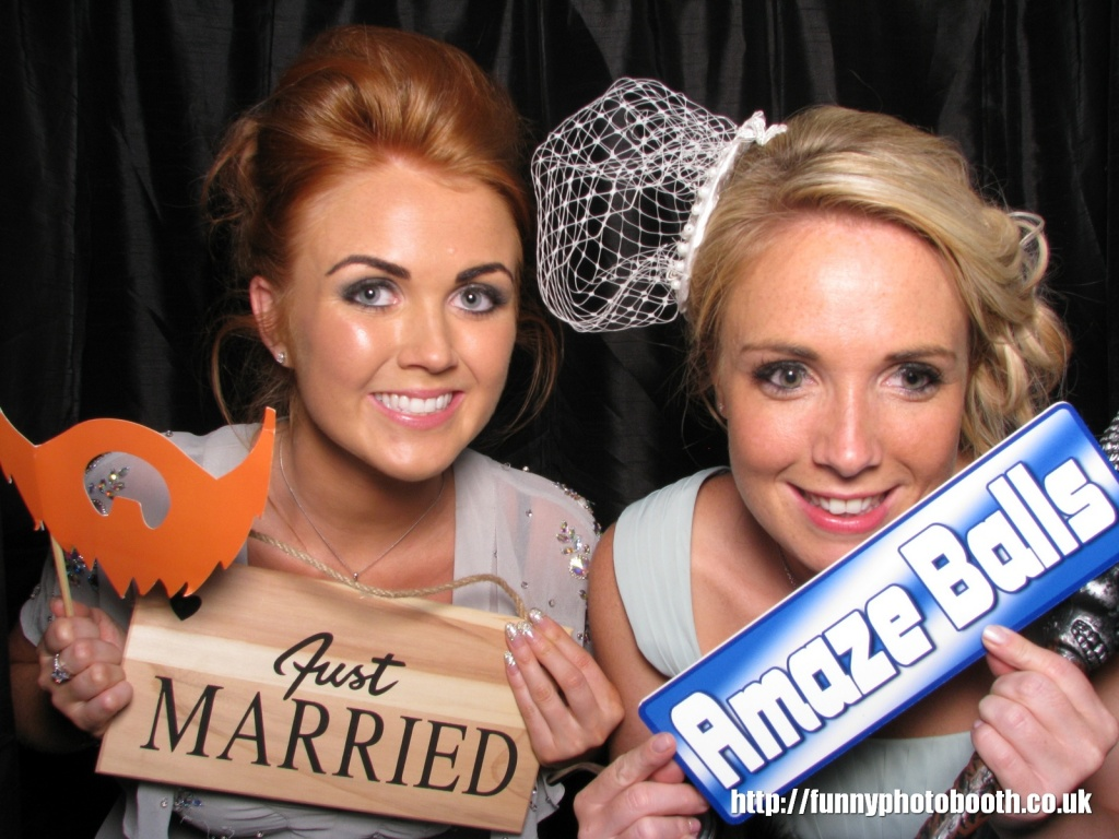 Photo booth Lodore falls hotel